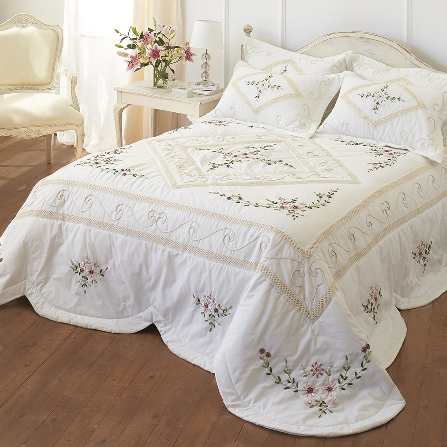 Hand Crocheted Bedspread K.Single