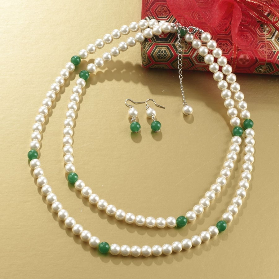 Pear/Jade Necklace and Earring Set